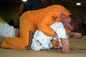 http://www.lloydirvin.com/adult/bjj/photos/Jan2005/gi-fowlervsleo8.jpg